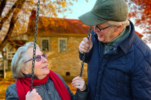 Retiring - 5 Reasons to Hire a Financial Advisor